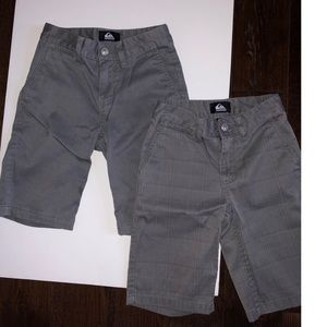 Quiksilver Bottoms - 2= Boys Quiksilver Chino Shorts Size 23